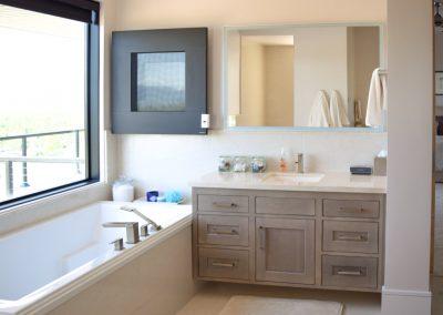 Bathroom-Master-Jensens-Cabinets-41-1080px