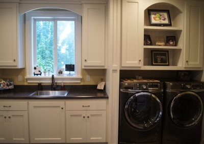 Laundry-Rooms-Jensens-Cabinets-12-1080px