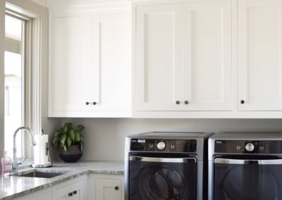Laundry-Rooms-Jensens-Cabinets-38-1080px