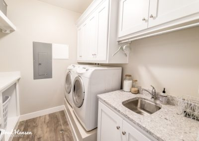 Laundry-Rooms-Jensens-Cabinets-42-1080px